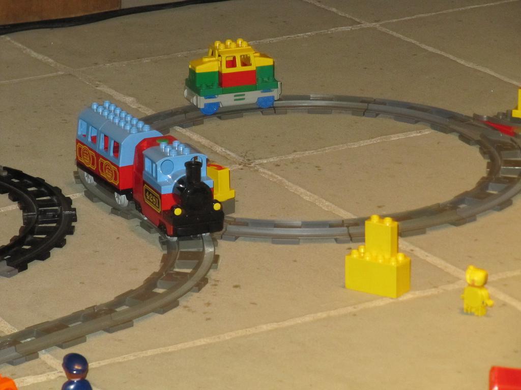 Lego Duplo Eisenbahn in der Kirche ...